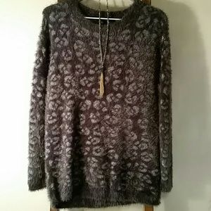 Jessica Simpson soft fuzzy cheetah sweater sz S